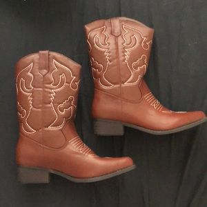 Shoes - NWT - cowboy rodeo boots - 10(41)